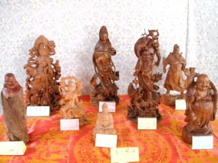 慈善義賣佛像
